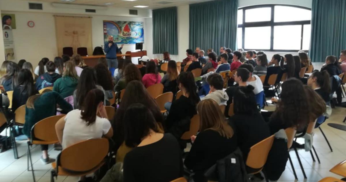 La lezione di educazione sessuale del dott. Fabrizio Quattrini